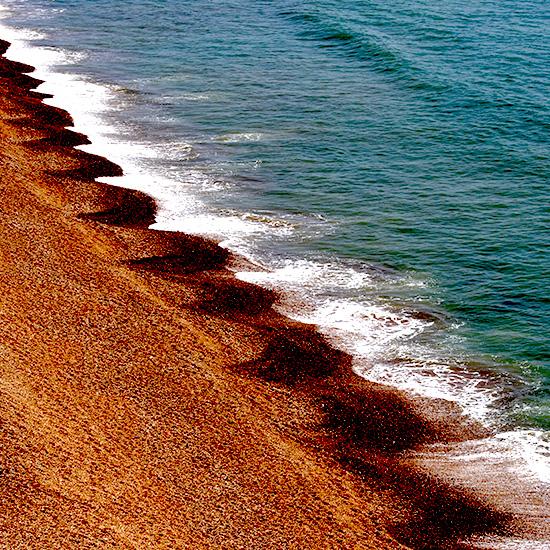 3D Drop-shadow sea natural illusion